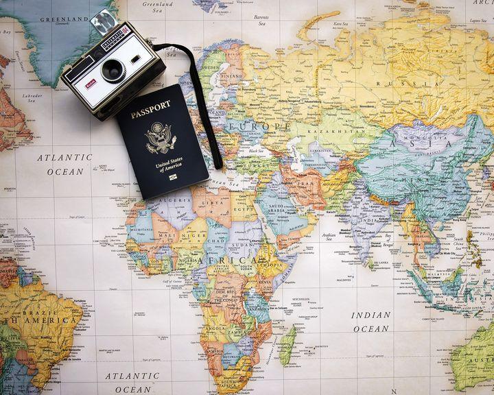 地図とカメラとパスポート
