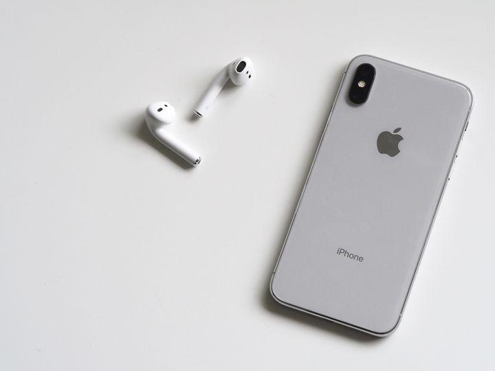 iPhoneとイヤホン