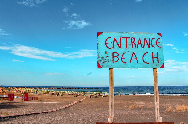 サントリーニ島のビーチ