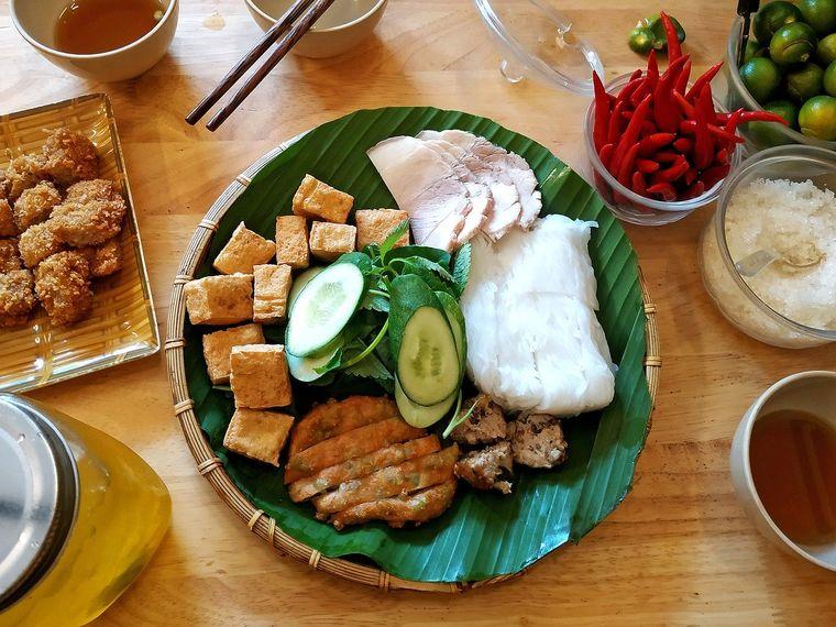 【ベトナム】夜景を一望できるベトナム料理ディナー